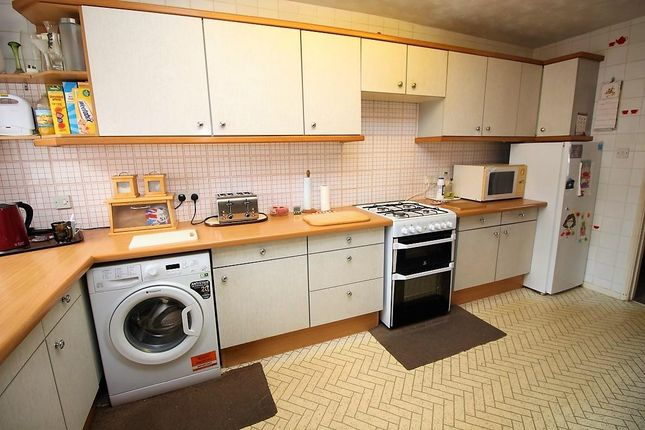 Kitchen of Kensington Road, Reading RG30