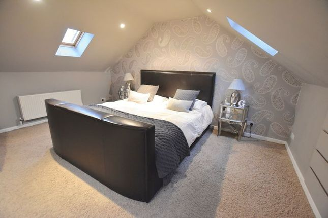 4 bed property for sale in Fox Dale, Stamford