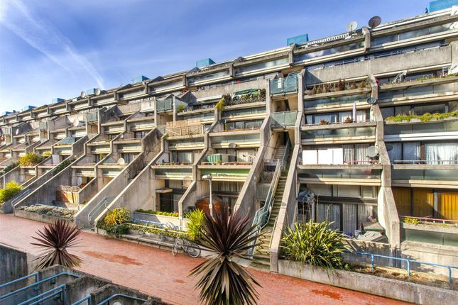 Thumbnail Property for sale in Rowley Way, London