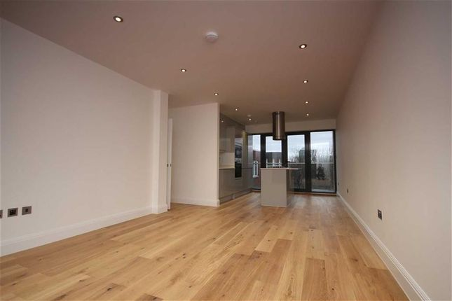 Thumbnail Flat for sale in Creek Road, London