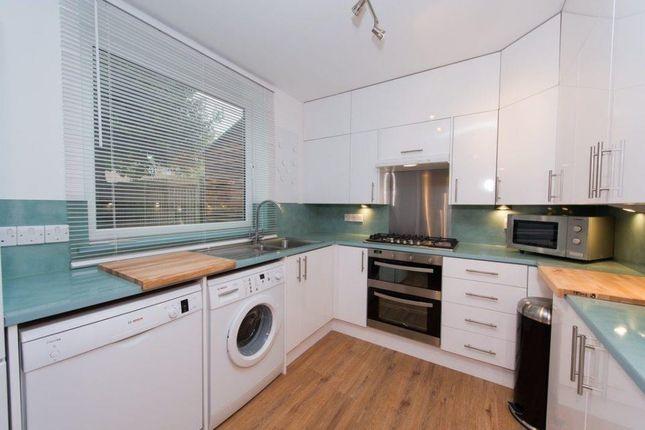 Thumbnail Maisonette to rent in Hilldrop Crescent, London