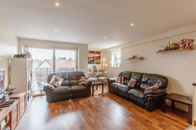 Thumbnail Flat for sale in Lambeth Road, Benfleet