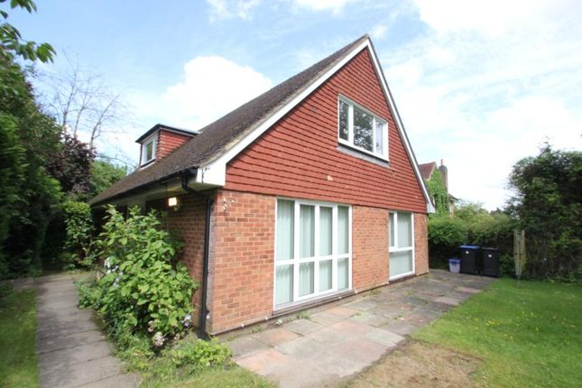 Thumbnail Bungalow to rent in Pembroke Road, Woking