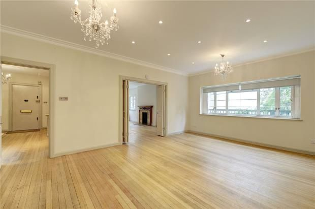 Dining Room of Hyde Park Street, London W2