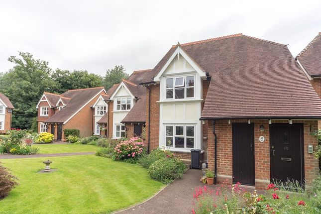 2 bed flat for sale in Burley Orchard, Chertsey