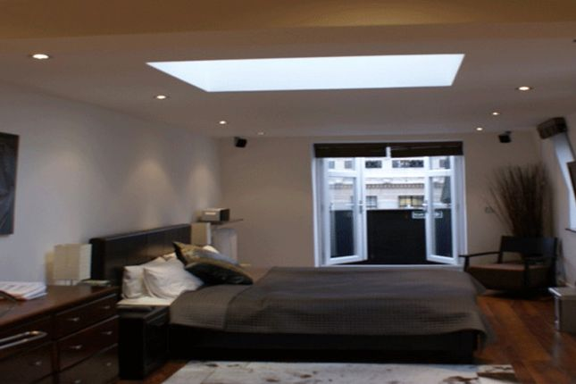 Thumbnail Flat to rent in Devonshire Street, London