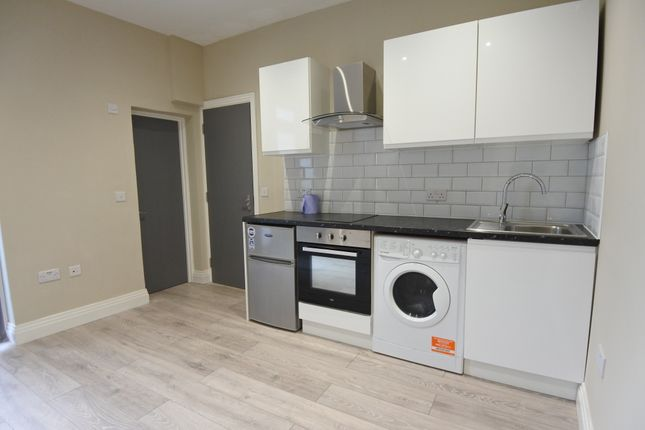Studio to rent in Brent View Road, West Hendon NW9