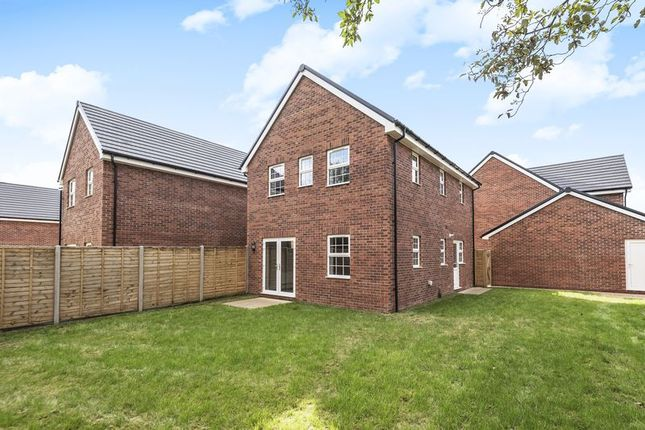 Thumbnail Detached house for sale in Bartons Road, Havant
