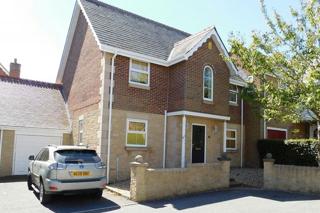 Thumbnail Link-detached house for sale in 16 Hornbeam Square, Ryde, Isle Of Wight
