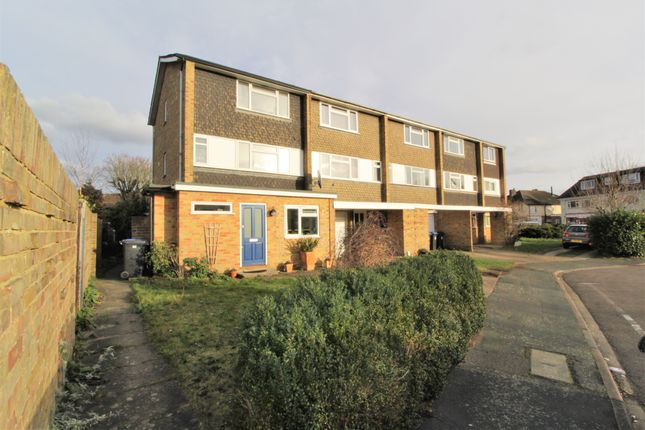 5 bed town house for sale in High Road, Byfleet KT14