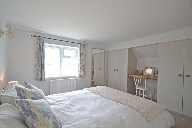 Bed 2 of Lyons Road, Slinfold, Horsham RH13