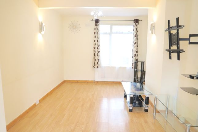 Thumbnail Semi-detached house to rent in Dane Road, Southall, Middlesex