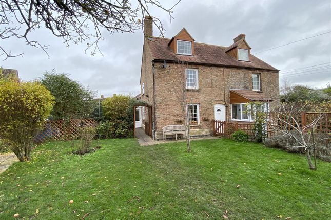 Thumbnail Cottage for sale in Alkerton Road, Eastington, Stonehouse