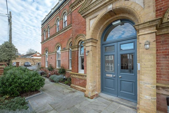 Thumbnail Flat for sale in Main Road, Havenstreet, Ryde