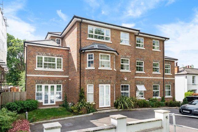 Thumbnail Flat for sale in Thames Ditton, Surrey