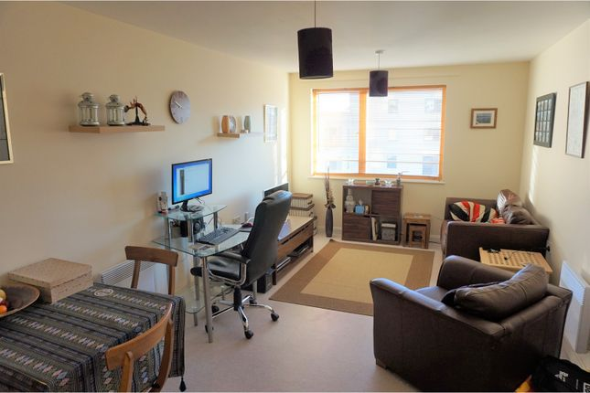 Thumbnail Flat for sale in Falcon Drive, Cardiff Bay