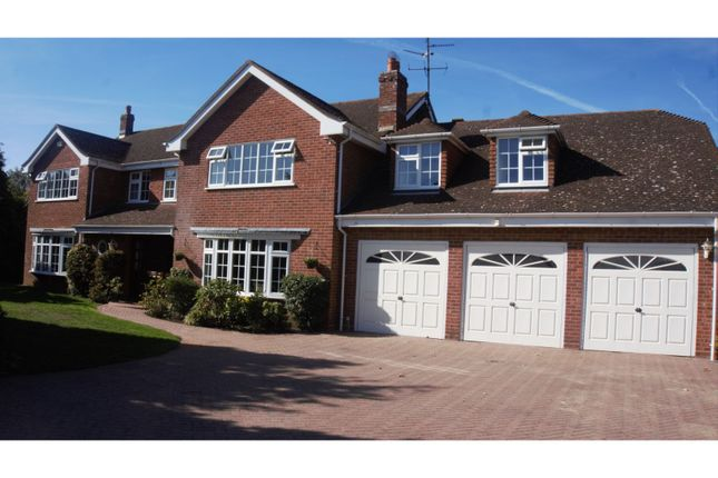 Thumbnail Detached house for sale in Beech Avenue, Bourne