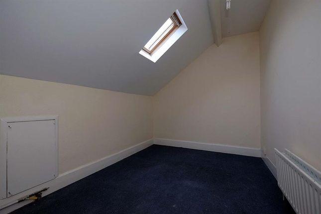 Bedroom of 8 Cadwallader, Park Crescent, Llandrindod Wells LD1