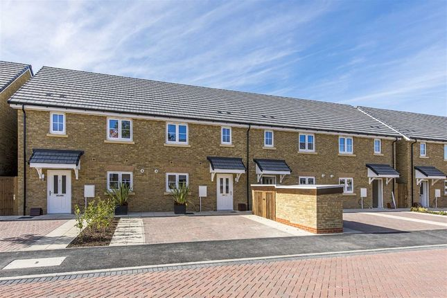 Thumbnail Property for sale in Forge Lane, Sunbury-On-Thames