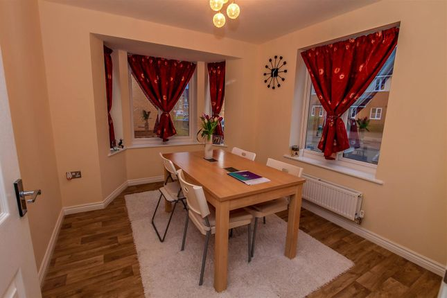 3 bed property for sale in Surrey Drive, Coventry