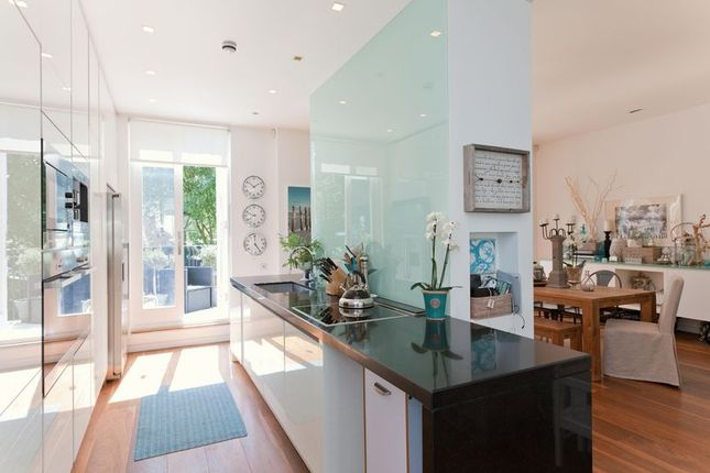 5 bed flat to rent in Carlingford Road, Hampstead NW3