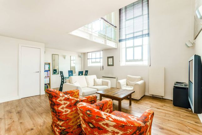 Thumbnail Flat for sale in Manor Gardens, Holloway
