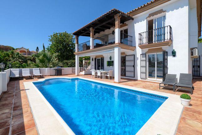 Thumbnail Villa for sale in El Rosario, El Rosario, Marbella, Málaga, Andalusia, Spain