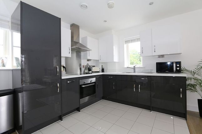 Thumbnail Flat for sale in Buckingham Road, Epping, Essex