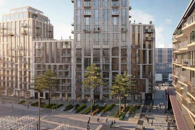 Thumbnail Flat for sale in Inglefield Square, Prusom Street, London
