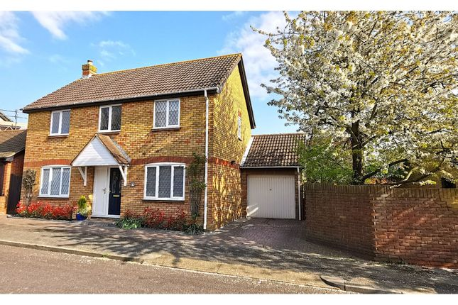 4 bed detached house for sale in Cavendish Way, Basildon SS15