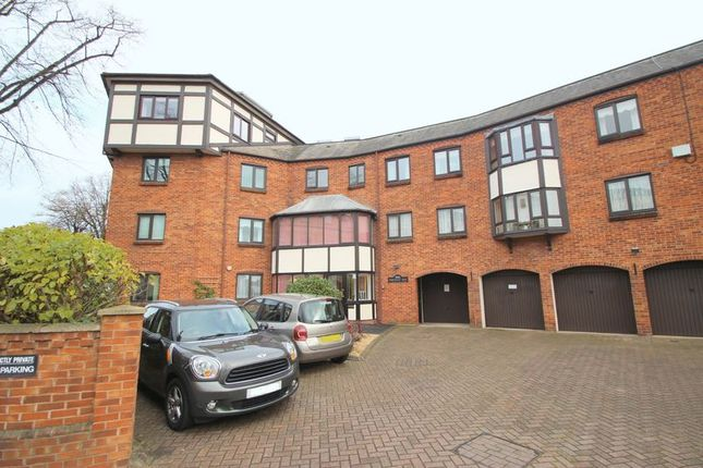 Thumbnail Property for sale in Bridgefoot Quay, Warwick Road, Stratford-Upon-Avon