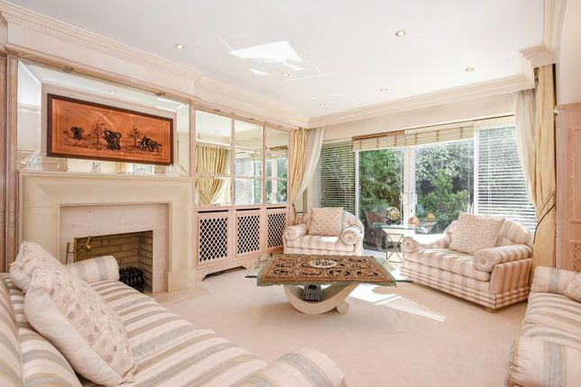 4 bed detached house to rent in Adelaide Close, Stanmore