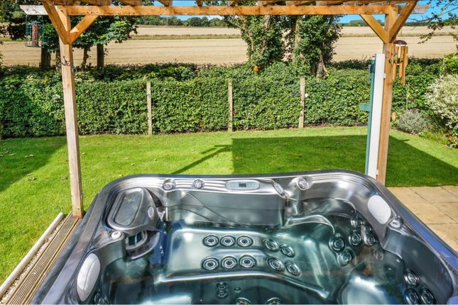 Hot Tub of Jacobs Piece, Fairford GL7
