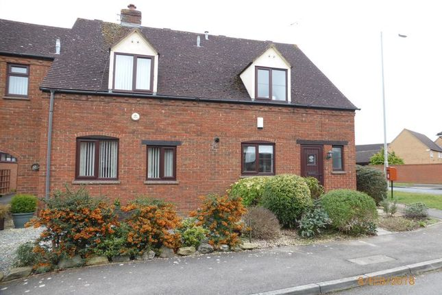 3 bed semi-detached house to rent in Haycroft Close, Bishops Cleeve, Cheltenham