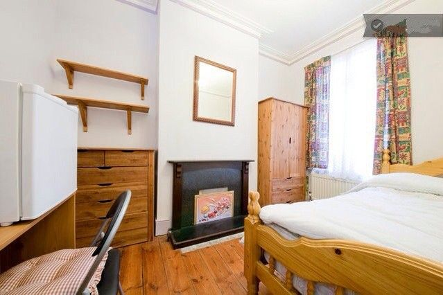 Room to rent in Hawstead Road, London