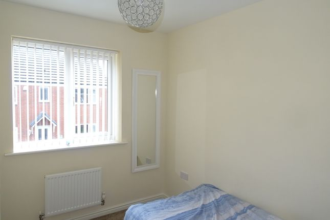 Thumbnail Detached house to rent in Chestnut Street, Walsall, West Midlands