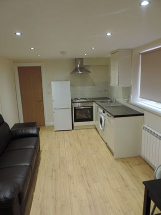 Thumbnail Flat to rent in Gordon Road, Cardiff, Caerdydd