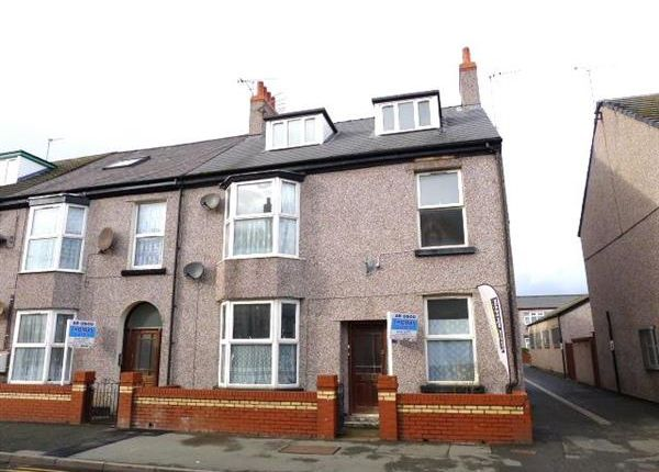 Thumbnail Flat to rent in Kinmel Street, Rhyl
