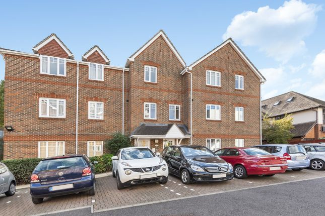 Thumbnail Flat for sale in York Road, Woking