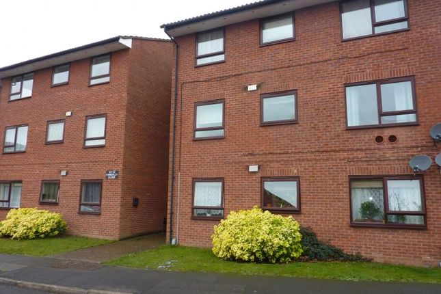 Thumbnail Flat to rent in Kimberley Close, Langley, Slough