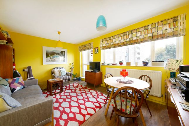 Thumbnail Flat for sale in Dagnall Street, London