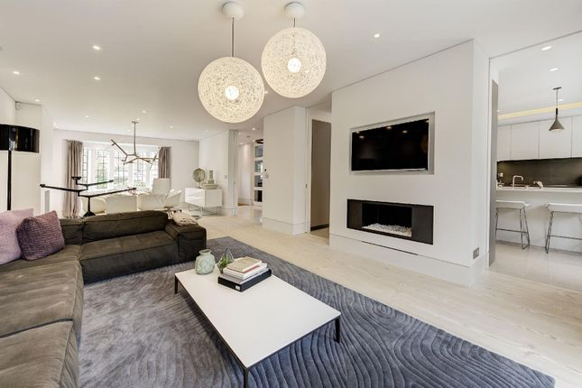 5 bed property for sale in Kingsley Way, London