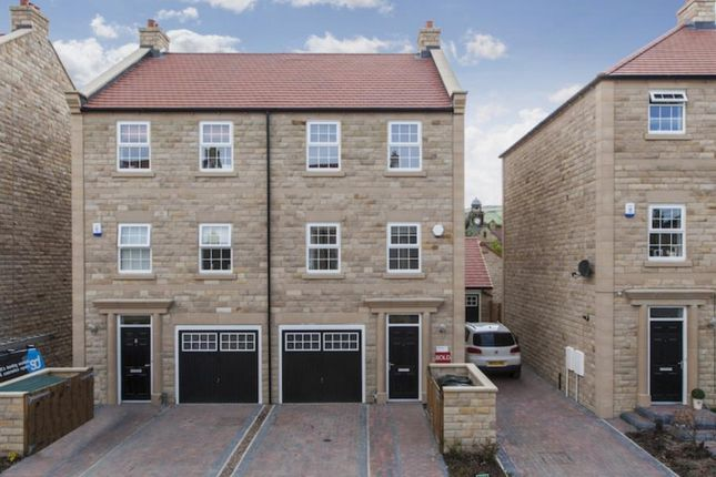 Thumbnail Terraced house to rent in Scalebor Gardens, Burley In Wharfedale, Ilkley