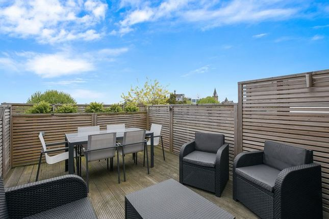 Thumbnail Flat for sale in Gladsmuir Road, London