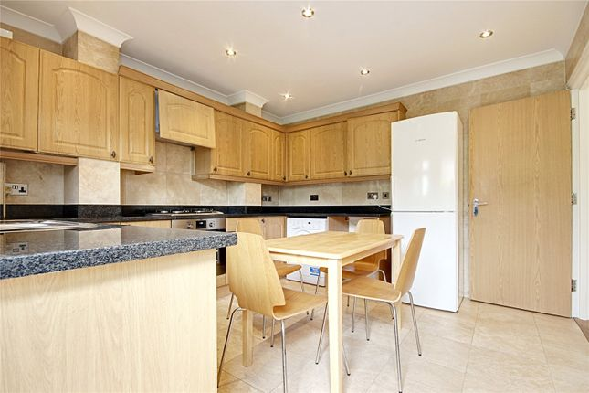 Thumbnail Flat to rent in Chase Road, London