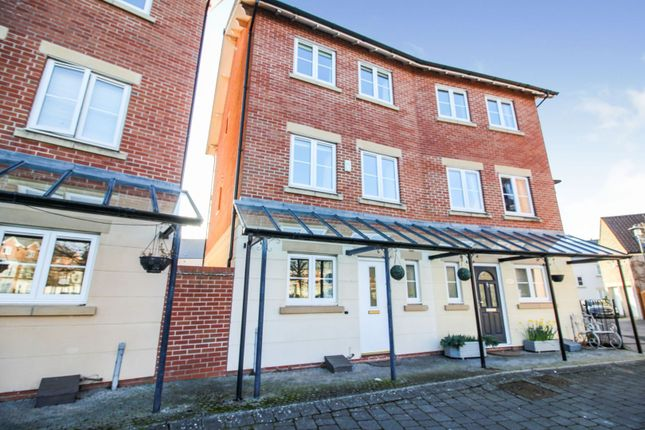 Thumbnail Semi-detached house for sale in Fitzroy Circus, Portishead