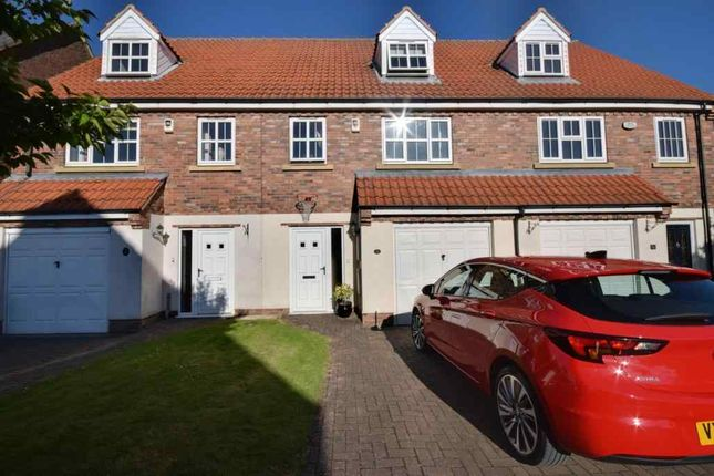 Thumbnail Town house to rent in Fieldside Court, Church Fenton, Tadcaster