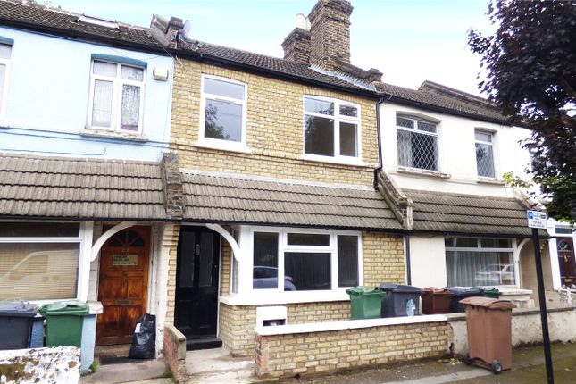 3 bed property for sale in Elm Park Road, Leyton