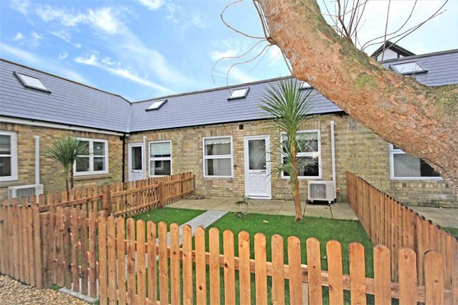 Thumbnail Cottage to rent in West Street, Godmanchester, Huntingdon