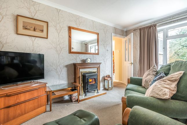 Thumbnail Terraced bungalow for sale in Dale Close, Horsham